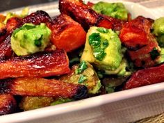Roasted Rainbow Carrots and Avocado Salad with Cilantro Pesto Dressing. A healthy warm dish for a cozy Fall night! Main Dish Salads, Vegetable Side Dishes, Healthy Cooking, Healthy Eating, Cooking Recipes, Clean Eating, Roasted Carrots, Vegetarian Recipes, Salads
