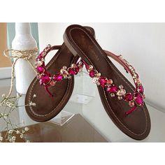 Rasteira Carol Camila modas w/ Pedras em Tons Pink | ♡   ••》Whatsapp 43 9148-2241  ☎  43 3254-5125.    Rua Rio Grande do Norte, 19 Centro - Cambé-Pr  #venhaseapaixonar #fashionistando #carolcamilamodas #news #trend #pedras #pink #shoesfashion #Verão16 #shoes#shoesstyle #fashion #style #workfashion #instafashion #provadorfashion #euqueroo