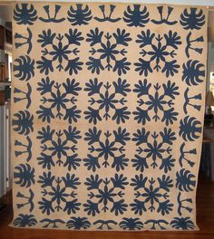 Love this blue and white quilt