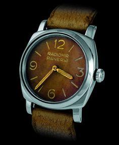 """""""Rounded Square"""" da Panerai. O """"quadrado arredondado"""" é uma tendência em relógios. Há vários modelos da Panerai. Vale pesquisar."""