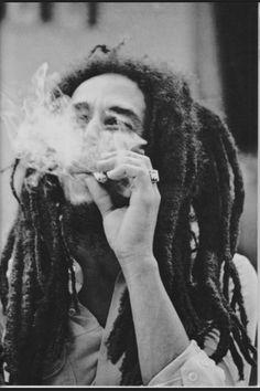 Je n'aime pas la disco , je la fuis comme la peste ! Mon son c'est le root's que j'´balance même a la messe . Marley ❤️