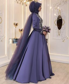 SATEN SAHRA Abiyemizin Leylak rengi🍀🍀🍀 Prensesler gibi🍀🍀🍀🤗 … – Fashion and Street Styles on Internet Muslimah Wedding Dress, Hijab Style Dress, Muslim Wedding Dresses, Wedding Hijab, Designer Wedding Dresses, Bridal Dresses, Bridesmaid Dresses, Indian Muslim Bride, Muslim Brides