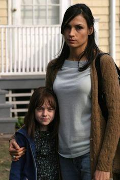 Dakota Fanning as Emily and Famke Janssen as Katherine, Hide and Seek, 2005