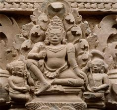 Linteau  trois premiers quarts du 9e siècle style du Kulen (800-850)  grès, sculpture  Cambodge, temple Prasat Koki  Collections Cambodgiennes du musée Guimet