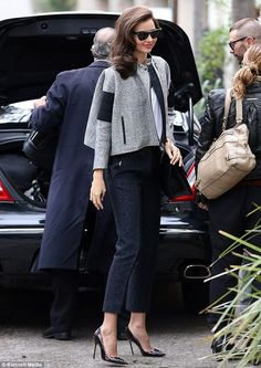 Channelling glamour: Miranda Kerr looks chic in trouser suit and tumbling Hollywood curls for photo shoot Looks Chic, Looks Style, My Style, Miranda Kerr Style, Cool Outfits, Casual Outfits, Everyday Fashion, Autumn Winter Fashion, Celebrity Style