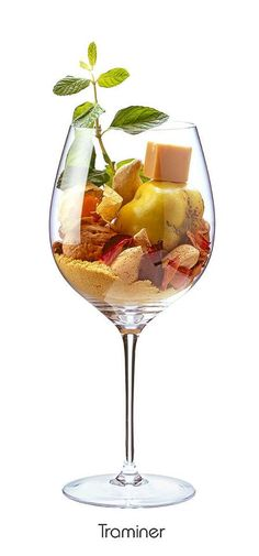 TRAMINER: Orange, Mandel, Quitte, Walnuss, Rose (verwelkt), Minze, Senfmehl, Ingwer, Karamell