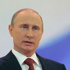 How Russia Positioned Itself as the Middle East's New Power Broker https://shar.es/17zbG7 Russia is exploiting American passivity in the face of the Syrian civil war to become the new power broker in the Middle East.