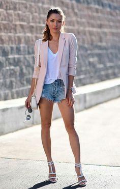 Blazer on tshirt + shorts will change the look Fashion Mode, Look Fashion, Womens Fashion, Latest Fashion, Paris Fashion, Fashion Fashion, Runway Fashion, Fashion News, Fashion Trends