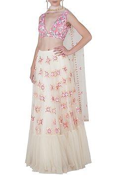 f807ad06e20282 23 Best dress images in 2017   Off shoulder crop top, Skirt set ...