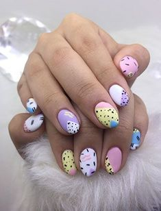 Nail School grad Little Mythy absorbs inspirations for her creations 80s Nails, Funky Nails, Cute Nails, Pretty Nails, Nail Design Stiletto, Nail Design Glitter, Pastel Nail Polish, Pastel Nails, School Nails