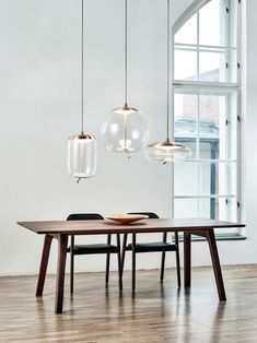 KNOT SFERA designer General lighting from Brokis all information high-resolution images CADs catalogs contact . Led Pendant Lights, Pendant Lamp, Pendant Lighting, Home Lighting, Lighting Design, Farmhouse Lighting, Deco Design, Interior Design Tips, Glass Shades