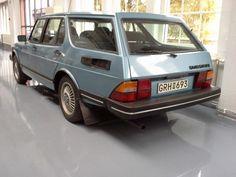 One of two Saab 900 Safari's