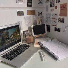 Study Desk, Study Space, My New Room, My Room, Study Room Decor, Study Organization, School Study Tips, Aesthetic Room Decor, Study Hard