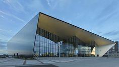 Owensboro Convention Center Owensboro, KY Vertical Interlocking Reveal Panel Rainscreen System Lorin BlackMatt and ClearMatt Anodized Aluminum Architect: Trahan Architects Photography by Tim Hursley