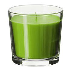 SINNLIG Geurkaars in glas IKEA Zorgt door de aangename geur van sappige appel en het warme schijnsel voor een prettige sfeer.