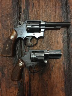 Smith And Wesson Revolvers, Smith N Wesson, Colt Python, 9mm Pistol, Rifles, Funny Comics, Firearms, Hand Guns, Respect