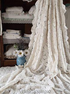 "Excellent Large Vintage French White Cotton Crochet Popcorn Coverlet 91"" x 79"""