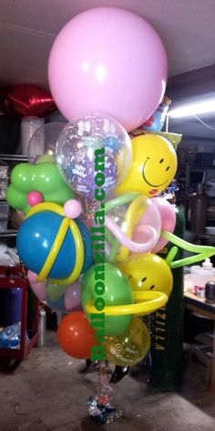 Gift Bouquet, Big Balloons, Balloon Gift, Balloon Bouquet, Pretty Girls, Bouquets, Floor, Gifts, Large Balloons