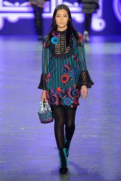 http://www.elle.co.jp/catwalk/fw2016/female/ny/anna_sui/runway