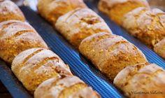 Viljattoman Vallaton: Gluteenittomat bataattisämpylät Sausage, Meat, Food, Eten, Sausages, Meals, Diet