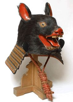 japaneseaesthetics: Growling Bear Kawari Kabuto. Muromachi Period, Circa 16th Century, Japan