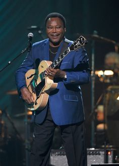George Benson Photos Photos: Keep Memory Alive's Annual 'Power of Love' Gala Honors Andrea & Veronica Bocelli - Inside Jazz Guitar, Jazz Music, Smooth Jazz Artists, Jazz Players, Thelonious Monk, Mgm Grand Garden Arena, Cleveland Clinic, Pop Rock, Studio 54