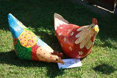 Hühner aus Pappmache