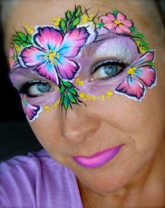 I wish I knew what colors are in this split cake. Face Painting Flowers, Adult Face Painting, Face Painting Designs, Painting For Kids, Paint Designs, Mask Face Paint, Face Paint Makeup, Mask Painting, Belly Painting