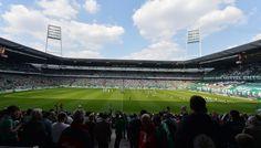 Weserstadion, Bremen, Estado de Bremen, Alemania. Capacidad 42.358 espectadores, Equipo local Werder Bremen. El Weserstadion Bremer tiene sus orígenes en 1909 por el General Bremer de Gimnasia y Deportes como un club de campo de deportes y construyó su primer recinto en 1926 ABTS llamado Arena.
