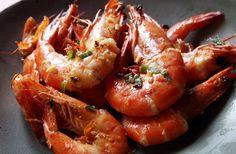 Gambas picantes al ajillo - Spicy garlic prawns