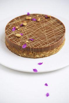 Kæmpecookie med karamel og peanuts