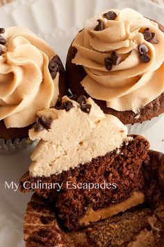 Peanut Butter Bottom Chocolate Cupcakes with Peanut Butter Icing