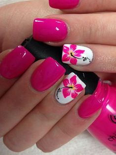 Cool Tropical Nails Designs for Summer - Nails - Nageldesign Tropical Nail Designs, Nail Designs Spring, Floral Designs, Tropical Nail Art, Tropical Flower Nails, Cute Summer Nail Designs, Summer Pedicure Designs, Hibiscus Nail Art, Flower Pedicure Designs