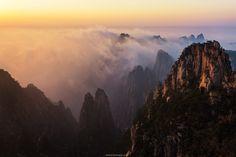 Huangshan in sunset time by Tonnaja Anan Charoenkal on 500px