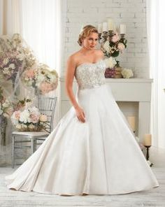 a33348f9bc0 8 Best Plus Size Wedding Gown with Bling images