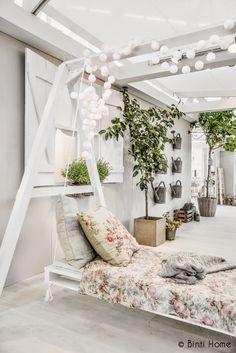 Une maison imaginée par Ariadne at Home aux Woonbeurs Outdoor Retreat, Outdoor Life, Outdoor Rooms, Outdoor Gardens, Outdoor Living, Outdoor Decor, Rue Verte, Patio Pergola, Backyard