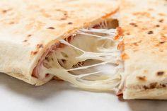 Lyst på noe godt til kvelds? Her er ostetipsene som redder deg! Kjappe oppskrifter med smeltet ost.