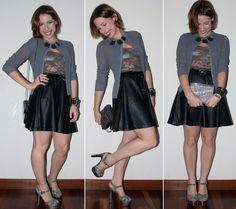 Look do dia: Como usar saia de couro rodada com blusa de renda transparente, sapato de glitter Arezzo e clutch Jimmy Choo