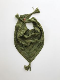 Ravelry: Titania Shawl pattern by Gynka Knitwear