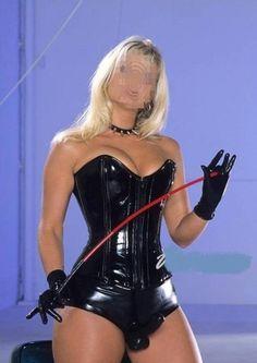 Molti uomini sentono il bisogno di abbandonarsi completamente al fascino di una donna sensuale e autoritaria che li domina e comanda a...