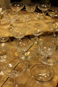 Mismatched vintage champagne saucers - go on spoil your guests! - Elias always has sets upon sets of these on hand. Vintage Crockery, Antique Glassware, Vintage China, Vintage Tea, Vintage Champagne Glasses, Wedding Champagne Saucers, Champagne Coupe Glasses, Gold Champagne, Wedding Wine Bottles