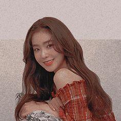 ° — ₍ ☁️ ₎↷․ ․ ․ red velvet irene icons ® like or. Type Of Girlfriend, Red Wallpaper, Red Velvet Irene, Cute Icons, Tumblr Girls, Unique Photo, Seulgi, Kpop Girls, Girl Group