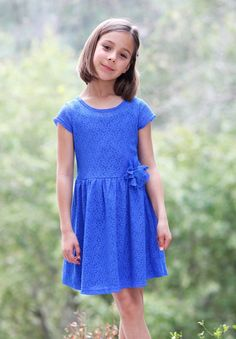 ElisaB Lace Dress in Royal Blue sz 4
