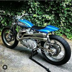 Custom Harleys, Custom Motorcycles, Custom Bikes, Cars And Motorcycles, Harley Bobber, Harley Davidson Sportster, Triumph Bobber, Bobber Chopper, Sportster Scrambler