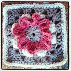 Shabby Chic Blooming Granny Flower Pattern