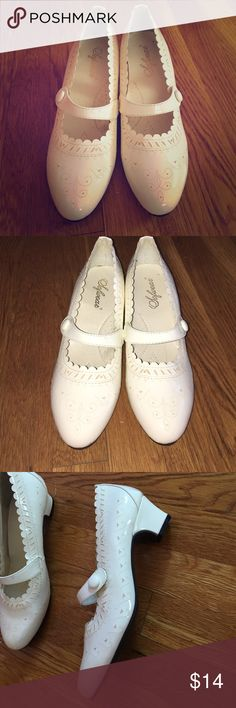 White heeled shoes New, never worn, little dusty from sitting in closet, white heels Shoes Heels