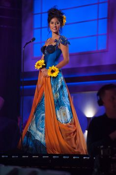 Miss Universe National Costumes 2015  Netherlands