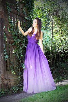 #fashion #fashionista Irene viola ragazza nel bosco con vestito lungo