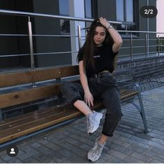 Swag Outfits, Cute Casual Outfits, Stylish Outfits, Fashion Outfits, Poses For Photos, Cool Photos, Estilo Beatnik, Teen Poses, Model Poses Photography