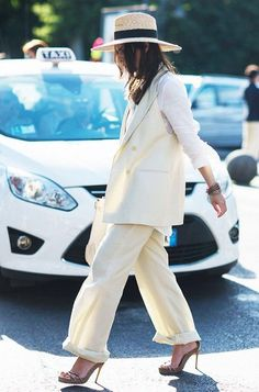 street-style-white-hat-sandals